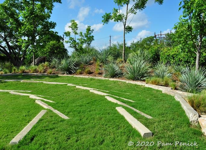 25_Lawn_amphitheater_Stone_Sotols-1.jpg