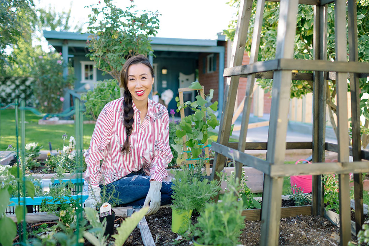 diana-elizabeth-in-garden-9931.jpg