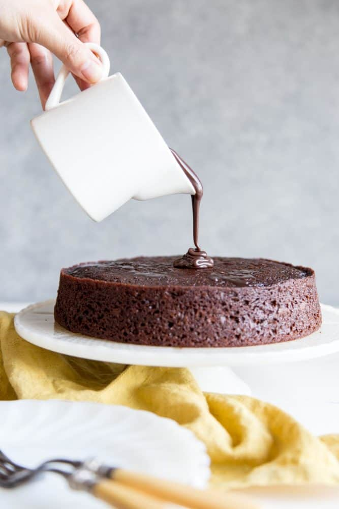 One-Bowl-Chocolate-Cake-2-667x1000.jpg