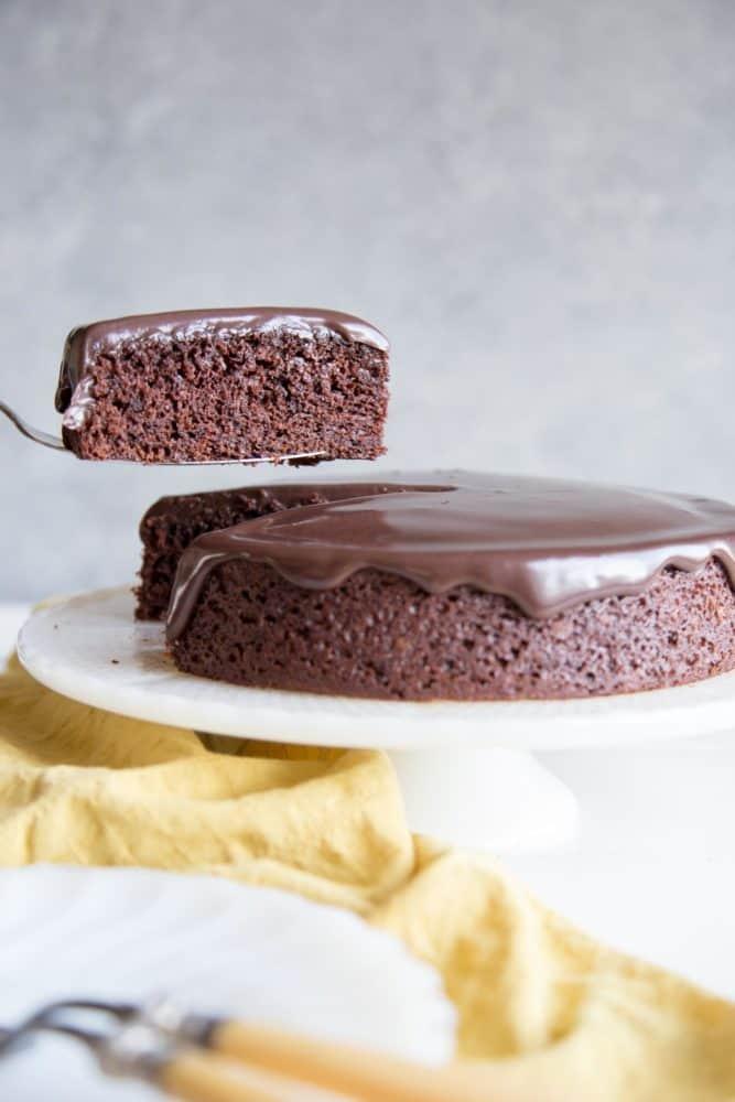 One-Bowl-Chocolate-Cake-3-667x1000.jpg