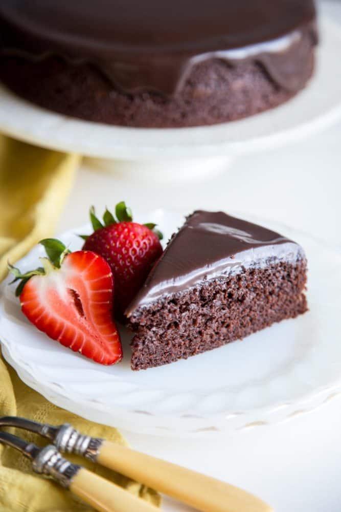 One-Bowl-Chocolate-Cake-4-667x1000.jpg