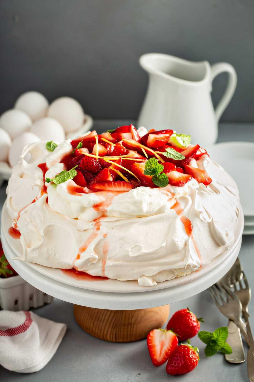 Pavlova-with-Strawberries-7.jpg