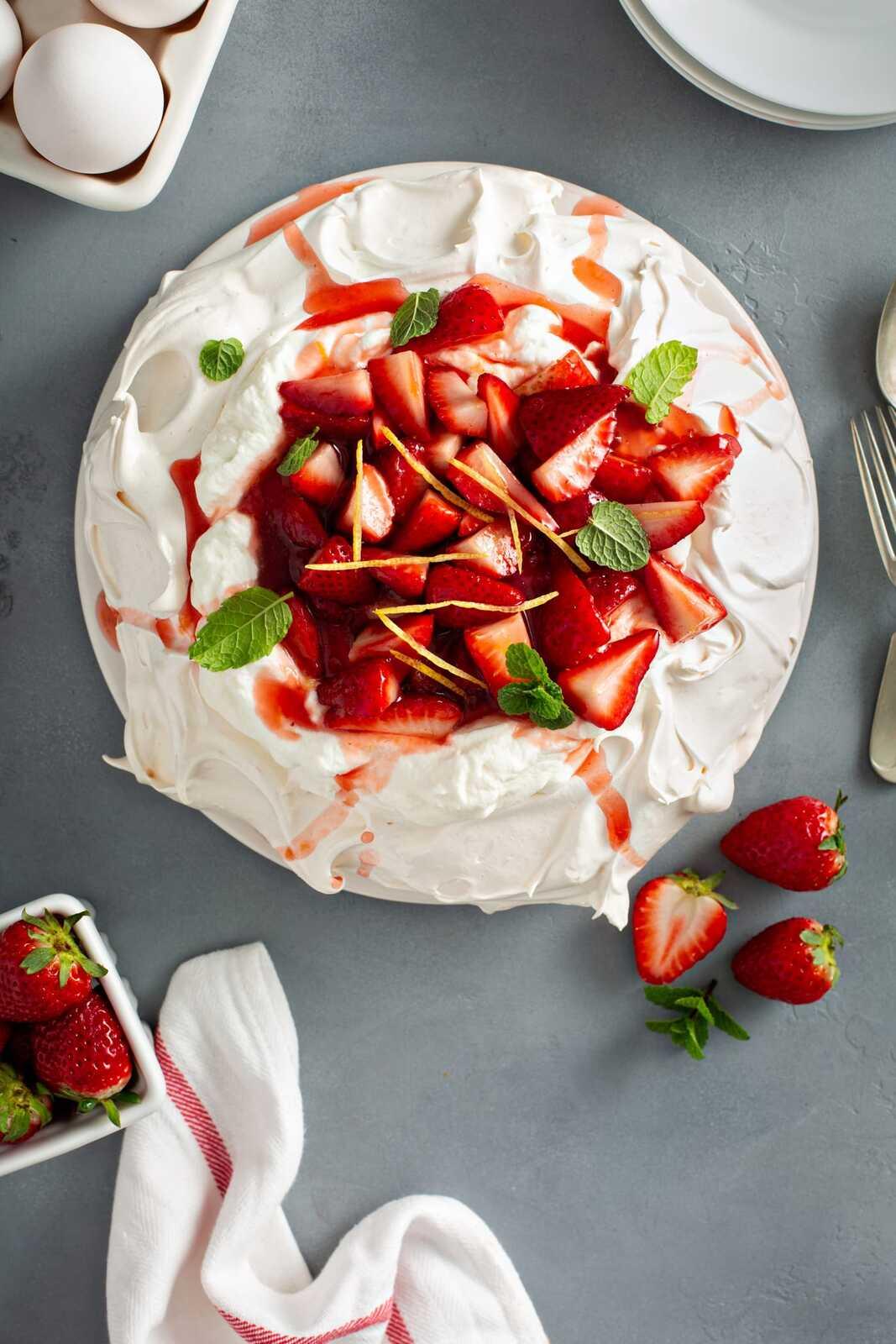 Pavlova-with-Strawberries-9.jpg